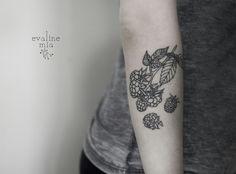 Blueberries' lines, color for the next session     #tattoo #vegantattoo #linework#blackwork #blueberry #blueberrytattoo#armtattoo #botanic #floral #ink #veganink#evalinetattoo