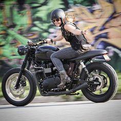 #bikergirl #triumphgirl | caferacerpasion.com