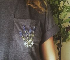 Embroidered Lavender Bouquet Pocket T Shirt The Best of clothes in - Fashion Ideas - Luxury Style Mode Style, Style Me, Embroidery Patterns, Hand Embroidery, Bead Patterns, Embroidery Stitches, Lavender Bouquet, Creation Couture, Mode Inspiration