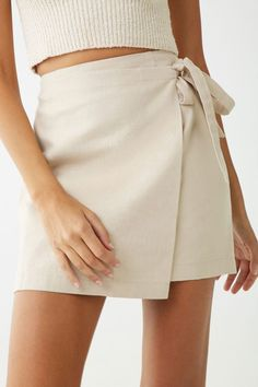 Simple Spring Style With Linen Skirt Girls Holiday Dresses, Cute Summer Dresses, Casual Dresses, Summer Clothes, Street Style Outfits, Fashion Outfits, Fashion Tips, Skirt Fashion, Vestidos Forever 21