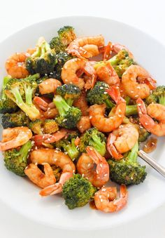 A spicy, skinny take on Shrimp and broccoli. This healthy meal is ready to eat in just 20 minutes and is exploding with delicious flavor. Take-out // Fake-out strikes again! Happy Sunday, my friends! Tomorrow I'm heading to New Orleans for a week long vacation with one of my best girlfriends. In preparation for this...