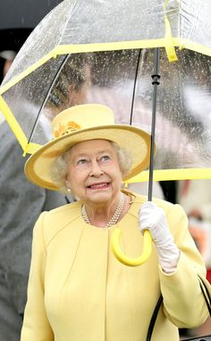 Sunny Disposition from Reign-y Day Style! Queen Elizabeth II's Matching Umbrellas