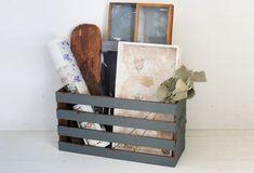 お部屋にひとつあると便利な「マルチボックス」。 今回は、材料に100均の木材を使って、約800円で安くて簡単にできる「持ち手付き…