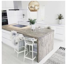 White and stylish kitchen