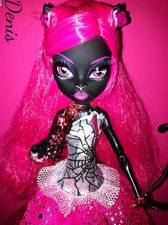 Monster high catty noir, my daughter would loveeee her