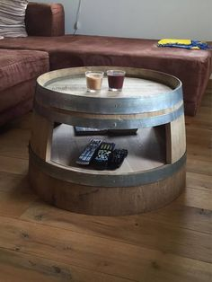 Wine barrel coffee table with inlet floor nature - * It could hardly be more individual . - Wine barrel coffee table with inlet floor nature – * It could hardly be more individual. Wine Barrel Coffee Table, Coffee Table With Shelf, Barrel Table, Wine Table, Wine Barrel Diy, Diy Sofa Table, Sofa Tables, Wine Barrel Furniture, Rustic Furniture