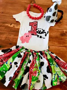 Farm Birthday Outfit Cow Birthday Outfit is part of Farm Birthday Outfit Etsy - Listing includes tutu, shirt and headband Mcdonalds Birthday Party, Cow Birthday Parties, 2nd Birthday Outfit, Girl 2nd Birthday, Cowgirl Birthday, Birthday Party Outfits, Birthday Ideas, Girl Parties, Farm Animal Birthday