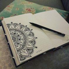 33 Mandala Inspired bullet journal spreads to release your inner awesome! Mandala Doodle, Mandala Art Lesson, Mandala Artwork, Mandala Drawing, Doodle Doodle, Doodle Borders, Bullet Journal Month, Bullet Journal Layout, Bullet Journal Ideas Pages