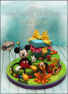 Mickey Mouse and Pluto cake.