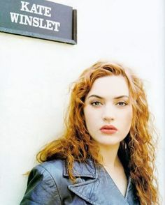 Kate Winslet Photos & Pictures - A collection of Kate Winslet Pics & Images who is biggest Actress of Hollywood & English Movies. Hair Icon, Red Hair Don't Care, Long Red Hair, Celebrity Wallpapers, British Actresses, Fashion Gallery, Best Actress, Celebrity Hairstyles, Timeless Beauty