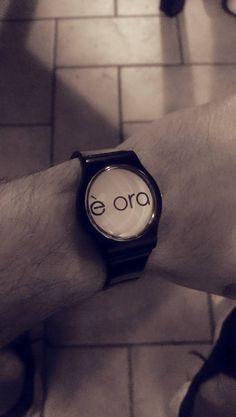 Il tempo è una dimensione relativa. Qualunque cosa tu debba fare, #èora . #doit #rightnow
