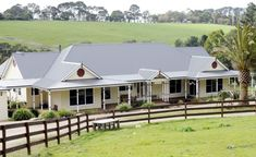 The quintessential Australian Farm House, the Ferny Hill Merricks flawless combines the best of the new with the most desirable aspects of the traditional. A ranch style home set in a rural landsca… Australian House Plans, Australian Farm, Australian Country Houses, Country House Design, Country Style Homes, Country Chic, Country Life, Country Decor, Exterior Paint Colors For House