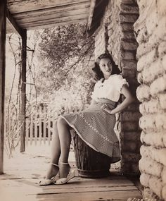 """The first """"Super Model"""" - Jinx Falkenburg, ca.1944. vintage everyday: Beautiful Portrait Photography of 50 Hollywood Actresses from the 1930s-40s"""
