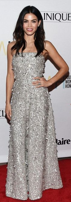ef6a1c29936c Who made Jenna Dewan s silver strapless gown
