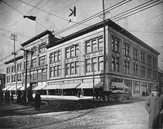 Goodwin's department store (future site of T. Eaton Co. Catherine Street, Montreal, QC, ca. Old Montreal, Montreal Ville, Montreal Quebec, Rue Sainte Catherine, Canada, Belle Villa, Interesting Buildings, Cultural Experience, Thats The Way