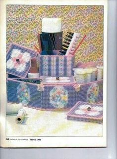 Hair accessory organizer Plastic Canvas Crafts, Plastic Canvas Patterns, Tissue Box Covers, Tissue Boxes, Yarn Crafts, Paper Crafts, Organizing Hair Accessories, Canvas Purse, Craft Show Ideas