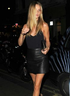 Rosie Huntington-Whiteley; tan; leather skirt; black cami top; gold jewellery; blonde; supermodel; style; streetstyle; chic