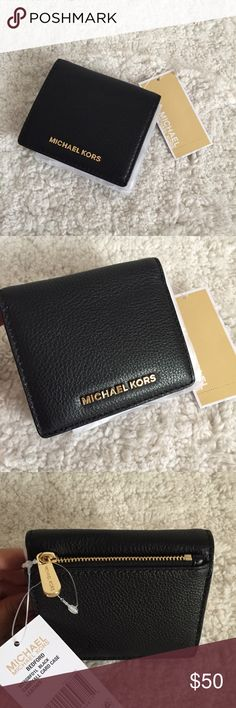 6d6e276b403b Michael Kors Carryall Card Case - Black w gold HW NWT Carryall Card Case.  Black with gold hardware.