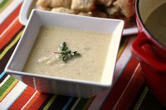 Guest Post: Roasted Cauliflower Soup with White Cheddar Cheese - Perry's Plate Cauliflower Soup, Roasted Cauliflower, Light Soups, White Cheddar Cheese, Beach Meals, Beautiful Soup, Tasty Kitchen, Soup And Salad, Soups And Stews