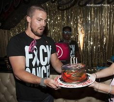 Stephen Amell @ Fuck Cancer Los Angeles 09.05.2013 (49)