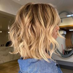 Above The Shoulder Haircuts, Above Shoulder Length Hair, Layered Haircuts Shoulder Length, Shoulder Length Blonde, Medium Length Hair Cuts With Layers, Medium Layered Hair, Medium Hair Cuts, Medium Hair Styles, Long Hair Styles