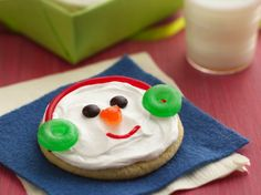 Jolly Snowman Faces/Made these a few years ago with my favorite sugar cookie recipe.