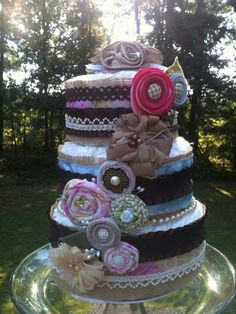 Shabby Chic - diaper cake. But with light colors