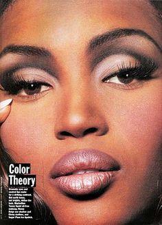 make -up ( naomi campbell) 1990s Makeup, 90s Makeup Look, Retro Makeup, Glam Makeup, Beauty Makeup, Vintage Makeup Looks, Runway Makeup, Dramatic Makeup, Hair Makeup