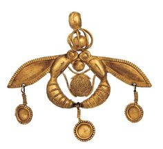 """The famous minoan gold jewel - """"Bee pendant""""  - from the necropolis of Malia, c. 1800 -1700 BC. It combines hammering, filigree and granulation."""