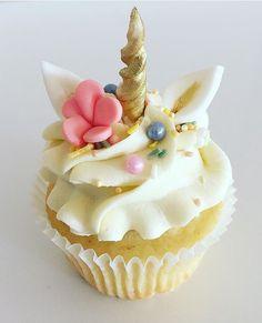 pretty unicorn cupcake