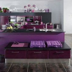 One of the biggest interior paint manufacturers, Benjamin Moore, called the vintage wine color of We already showed you one of its variations - Bed Furniture, Home Decor Furniture, Benjamin Moore, Contemporary Kitchen Interior, Purple Kitchen, Bedroom Paint Colors, Pink Room, Cuisines Design, French Decor