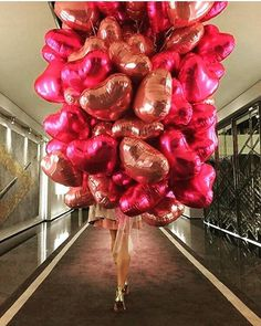 #decor  #dubaifashion  #dubai  #glamour  #glow  #fashionblogger  #fashion  #flowers  #luxurylifestylemagazine  #luxuryrealestate  #luxury #luxurylife  #weddinggift  #photography  #weddingparty  #balloons  #balloon  #bridal  #bridalmakeup  #makeupjakarta  #weddingphotography  #weddingphotographer  #honeymoon  #hair http://gelinshop.com/ipost/1522158256440868856/?code=BUfyt6XFf_4