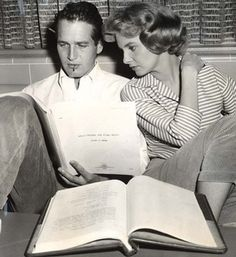 Paul Newman and Joanne Woodward Reading - I would never have been able to concentrate.