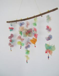 E Strea Chikitu: Wollen vlinders - Mobile with wool butterflies