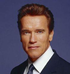 6 regras para o sucesso - Arnold Schwarzenegger 1. Confia em ti mesmo Muitos jovens recebem tantos conselhos dos seus pais e dos seus professores e de todos. Mas o que é mais importante é que tens...