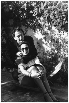 gala-and-salvador-dali-at-cadaques-spain-1951-hulton