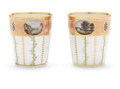 A fine pair of Flight and Barr beakers, circa 1800