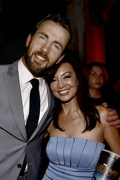 Chris Evans & Ming Na Wen <<<< too much Marvel awesomeness Marvel Actors, Marvel Characters, Marvel Dc, Chloe Bennet, Iain De Caestecker, Hayley Atwell Peggy Carter, Tom Hiddleston Benedict Cumberbatch, Melinda May, Ming Na Wen
