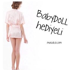 Now all the robes comes with it's babydoll gift !! DON'T MISS the elegant way of wedding day preparations, #Bride #BrideToBe #BridalRobe