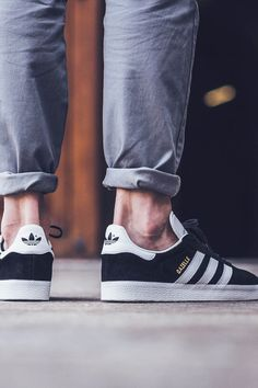new products e217b cf5e9 ADIDAS Gazelle White × Black × Gold. Zapatos MasculinosZapatillas AdidasModa  Para ...