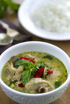 Curry verde con pollo, curry con pollo, curry tailandés, cocina tailandesa, cocina asiática