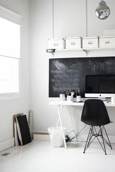 Schwarze und Weiße Farbtönungen im Arbeitszimmer - Arbeitszimmer im skandinavischen Stil-29 coole Ideen