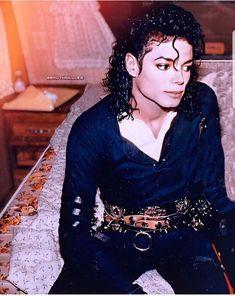 Michael Jackson Story, Photos Of Michael Jackson, Michael Jackson Wallpaper, Mike Jackson, Beautiful Person, Beautiful Men, Starred Up, Pinterest Images, Ferrat