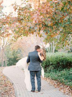fall wedding at Dallas wedding venue Arlington Hall at Lee Park by Dallas Wedding Photographer Stephanie Brazzle Photography