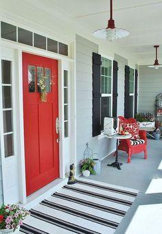 Adorable 75 Stunning Farmhouse Front Porch Decor Ideas https://homemainly.com/2876/75-stunning-farmhouse-front-porch-decor-ideas