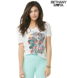 Real Sass V-Neck Graphic T - Aeropostale