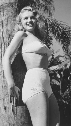 Marilyn Monroe in 1946.  A George Vreeland Hill Pinterest post.  #MarilynMonroe  #1940s  #GeorgeVreelandHill