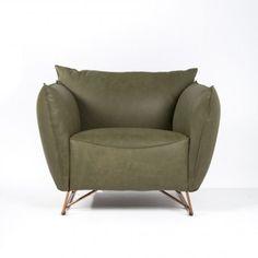 Ziet u uzelf al heerlijk wegzakken in deze prachtige Casa Mia XL fauteuil van Jess Design?