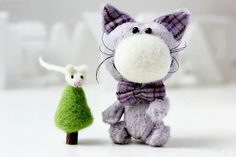 Teddy Cat with mouse - OOAK Miniature Collectible Toy - Needle felted - Soft - Jointed Toy- Lilac,white, green - Gift for New Year!  $75.00