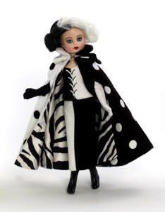 Madame Alexander Cruella De Vil Doll from the Disney Collection - Disney My design for Alexander Doll! Annette Himstedt, Cruella Deville, John Wright, Glamour Dolls, Valley Of The Dolls, Madame Alexander Dolls, Disney Dolls, Classic Films, Doll Accessories